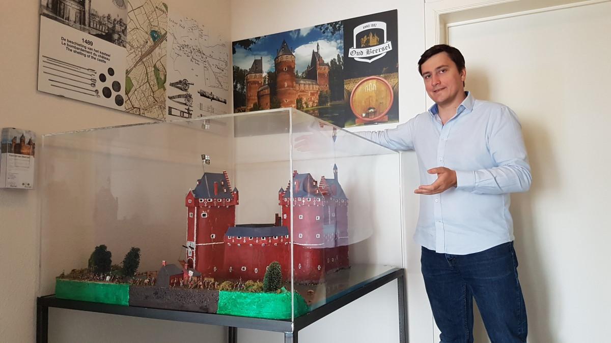 Foto Gert Christiaens en diorama Kasteel van Beersel