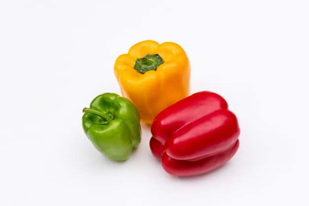 side-view-bell-pepper-horizontal_176474-1047
