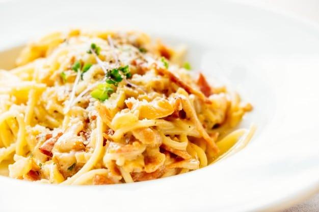 spaghetti-carbonara_1203-8906