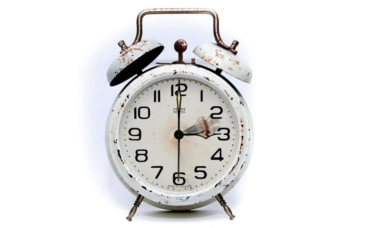 alarm-clock-2175382_1280