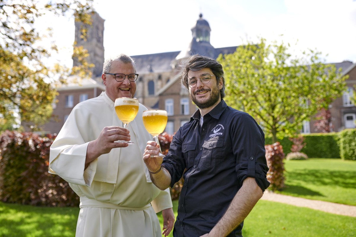 2 - Grimbergen launch - Fr Karel and MAS outside abbey 2